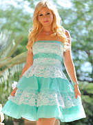 Lia teases in a frilly dress then shows her muffin